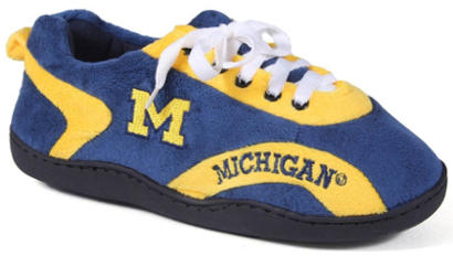 Happy Feet Men´s and Women´s NCAA College All Around Slippers