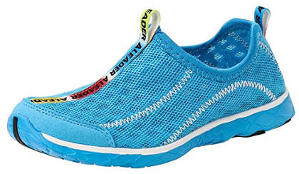 Sneaker style water shoes