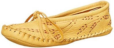 Manitobah Mukluks Women's Deerskin Slipper Wheat Mary Jane Flat