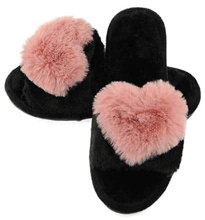 Open toe slip-on slippers with fuzzy heart