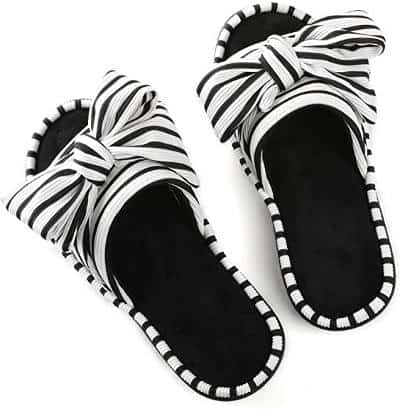 Fashionable summer slippers